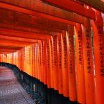 京都の伏見稲荷大社は金運アップでおススメのパワースポットです