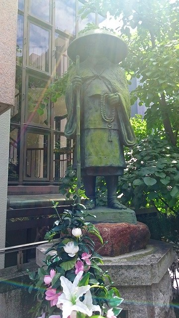 六角堂の親鸞聖人像