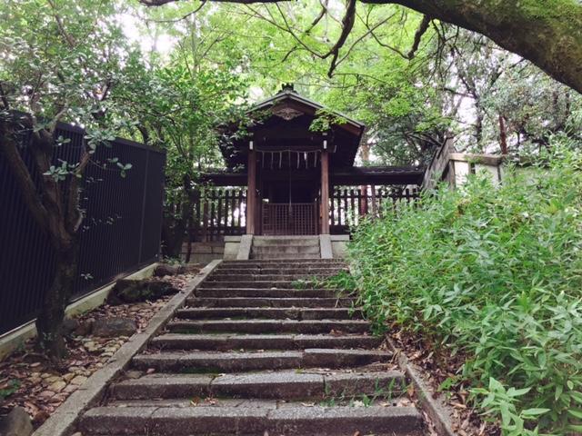 月読社は今宮神社の摂社末社