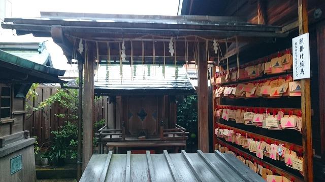 衆霊殿(しゅうれいでん)