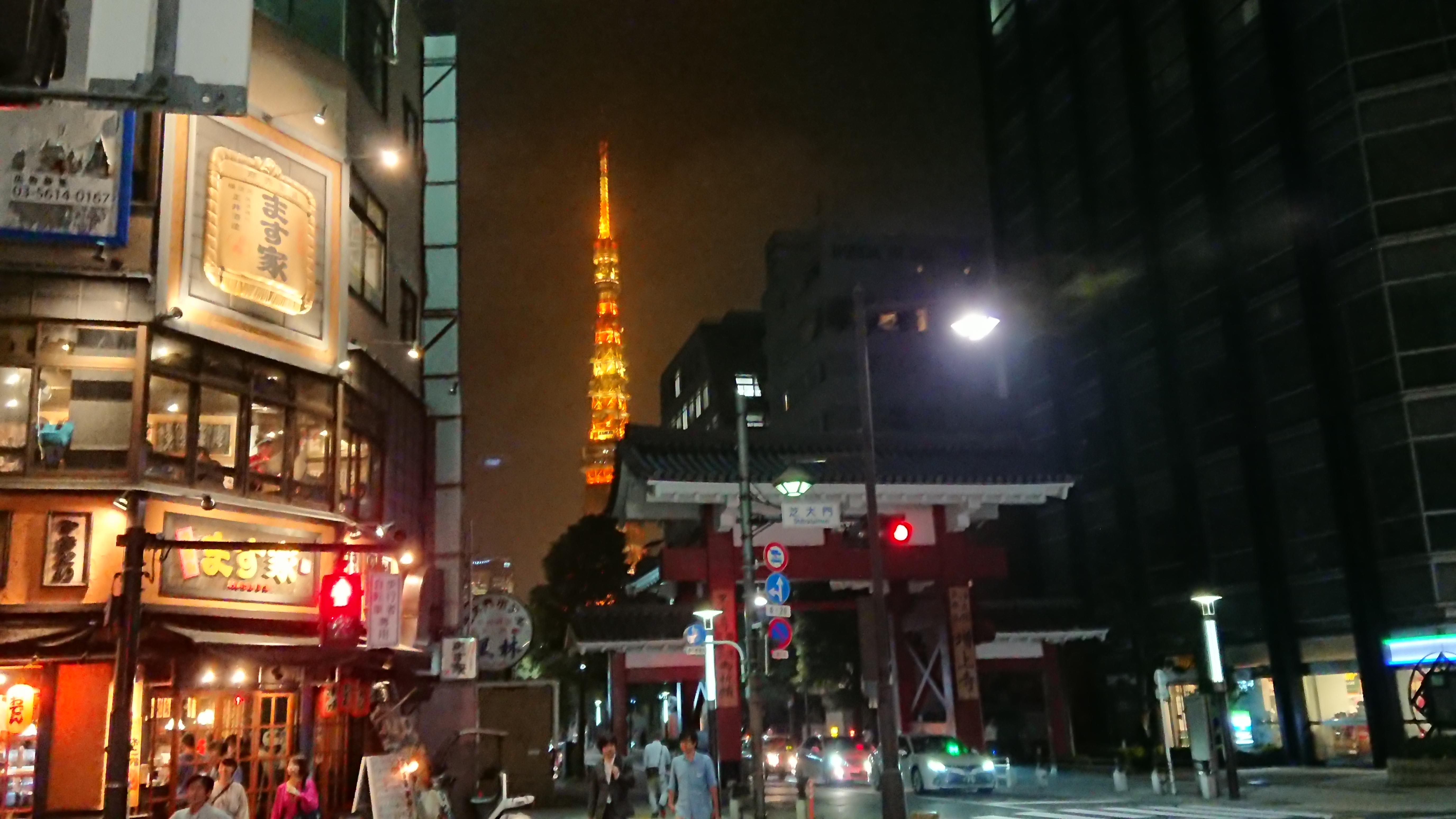 増上寺の大門と東京タワー
