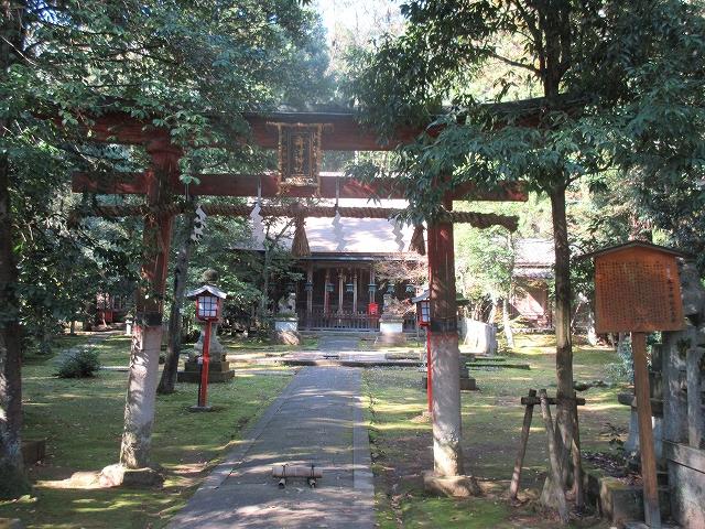 舟津神社の赤鳥居