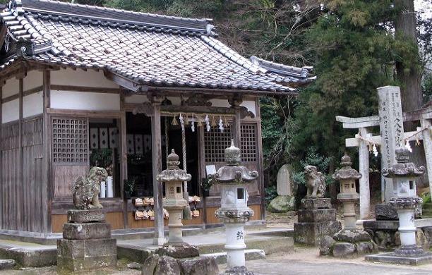 コウノトリ神社で子宝祈願